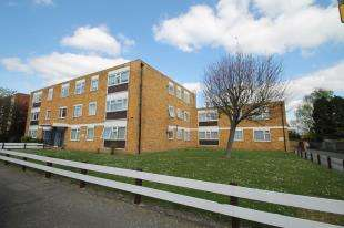 2 Bedrooms Flat for sale in Gateacre Court, Granville Road, Sidcup