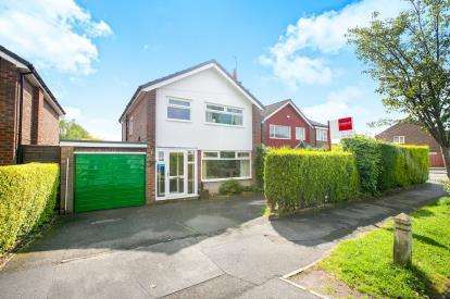3 Bedrooms Detached House for sale in Conway Drive, Hazel Grove, Stockport, Cheshire