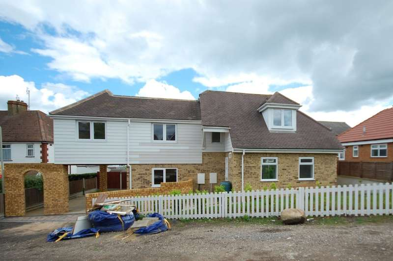 3 Bedrooms Detached House for sale in Gordon Road, Whitstable