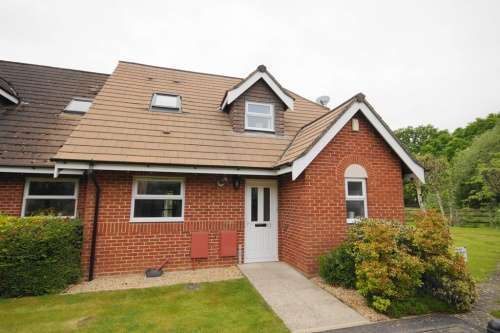 2 Bedrooms Cottage House for sale in Garden Court, West Moors