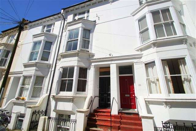 3 Bedrooms Maisonette Flat for sale in College Road, Brighton, East Sussex, BN2 1JB