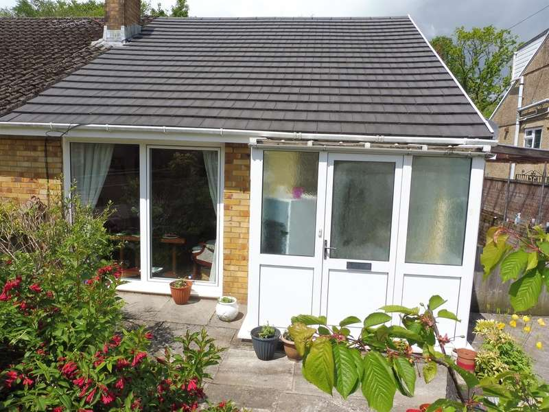 2 Bedrooms Semi Detached Bungalow for sale in Min Y Coed, Neath