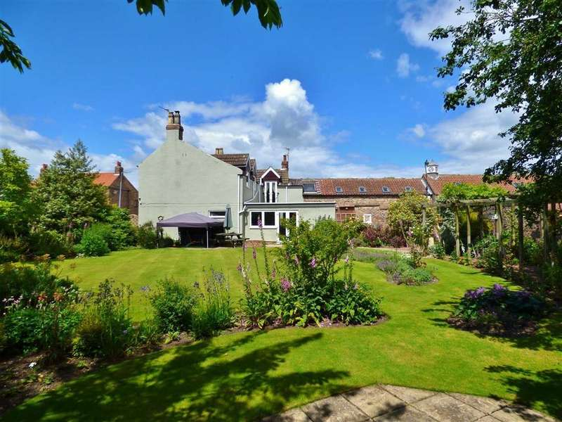 4 Bedrooms Detached House for sale in Garth House, Hornsea Road, Leven