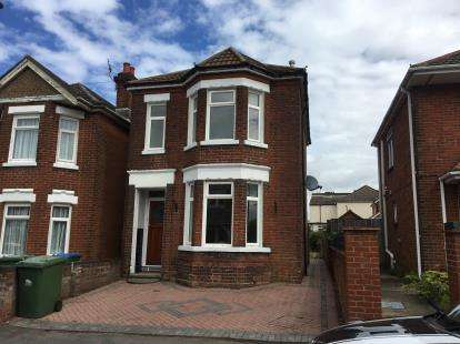 3 Bedrooms Detached House for sale in Woolston, Southampton, Hampshire