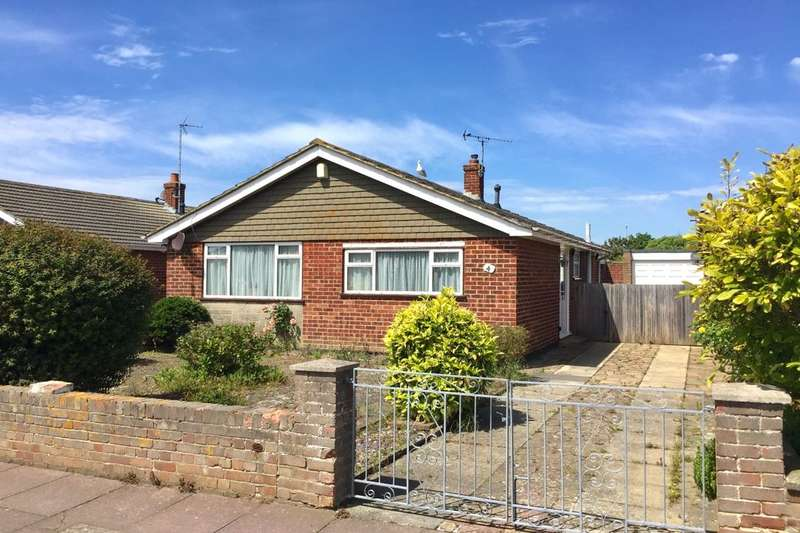 2 Bedrooms Detached Bungalow for sale in Cunningham Drive, Eastbourne, BN23