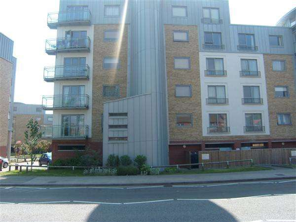 2 Bedrooms Apartment Flat for sale in Wherstead Road, Ipswich. More details at www.nicholasestates.co.uk