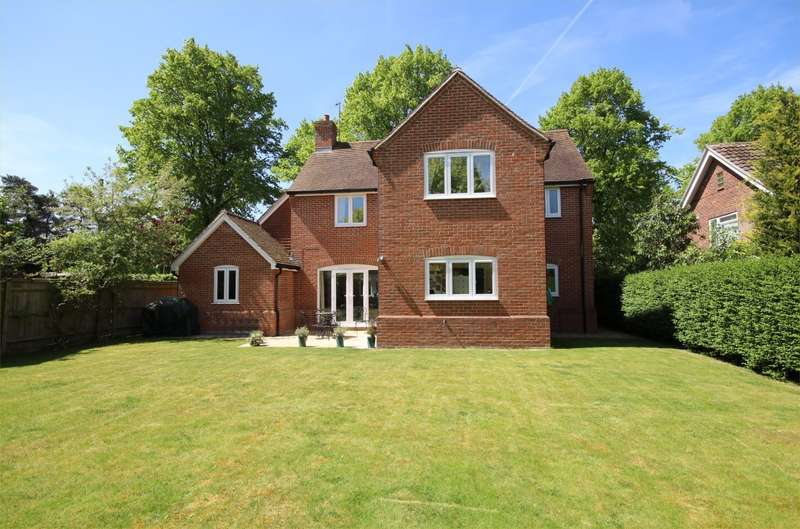 4 Bedrooms Detached House for sale in Elizabeth Road, Henley-On-Thames, RG9