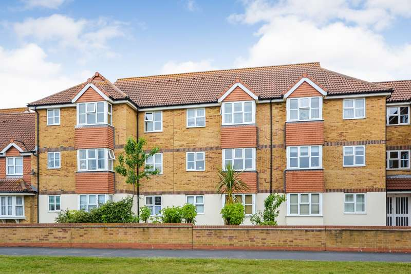 1 Bedroom Flat for sale in Falmouth Close, Sovereign Harbour, Eastbourne, BN23