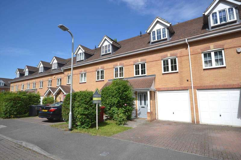 3 Bedrooms Terraced House for sale in Ruskin, Caversham