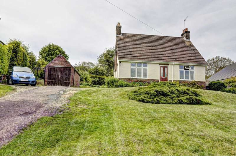 3 Bedrooms Detached Bungalow for sale in Bledlow Ridge