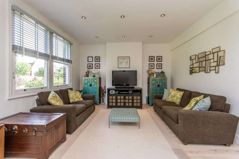 3 Bedrooms Maisonette Flat for sale in Lydford Road, Willesden Green, NW2