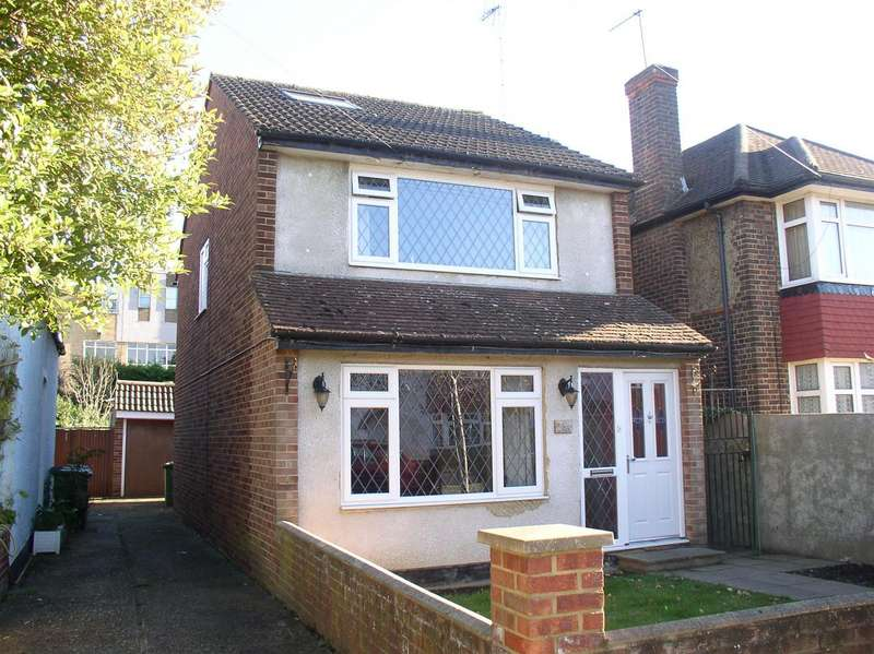 3 Bedrooms Property for sale in Monks Avenue, West Molesey