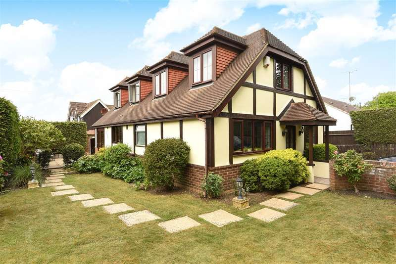 4 Bedrooms Detached House for sale in Old Wokingham Road, Crowthorne