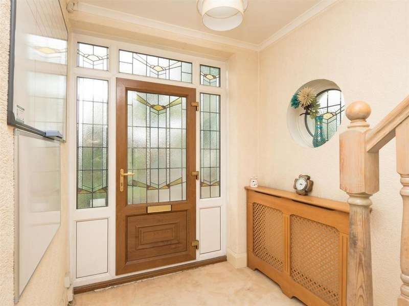3 Bedrooms Semi Detached House for sale in Harrogate Road, Bradford BD2 3RH