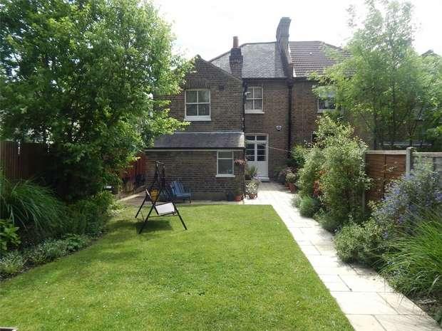 1 Bedroom Flat for sale in Ash Grove, Penge, London