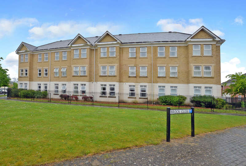 2 Bedrooms Flat for sale in Camberley, Surrey