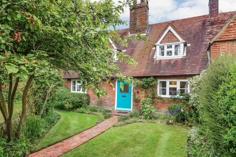 2 Bedrooms Semi Detached House for sale in Bentley
