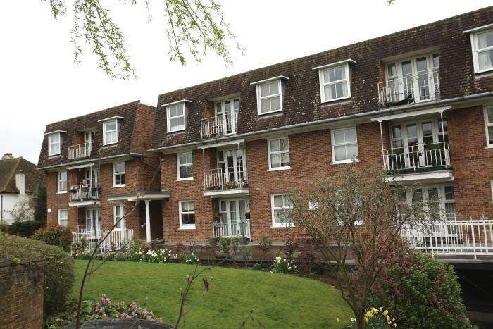 1 Bedroom Apartment Flat for sale in MAYFLOWER COURT, ONGAR, ONGAR CM5