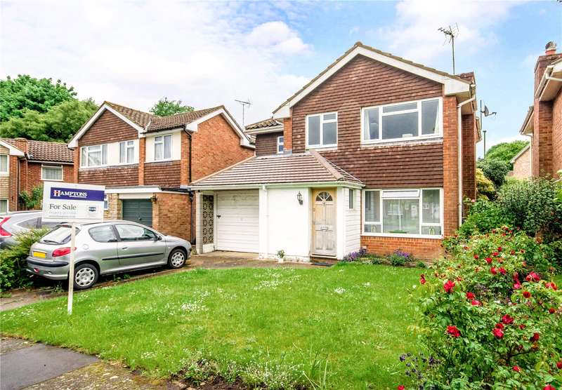 4 Bedrooms Detached House for sale in Lapwing Close, Horsham, West Sussex, RH13