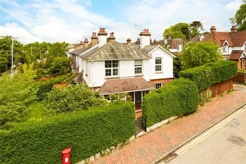 4 Bedrooms Detached House for sale in Camden Hill, Tunbridge Wells, Kent, TN2