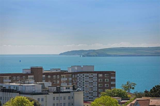 2 Bedrooms Flat for sale in Penthouses, Christchurch Road, BOURNEMOUTH