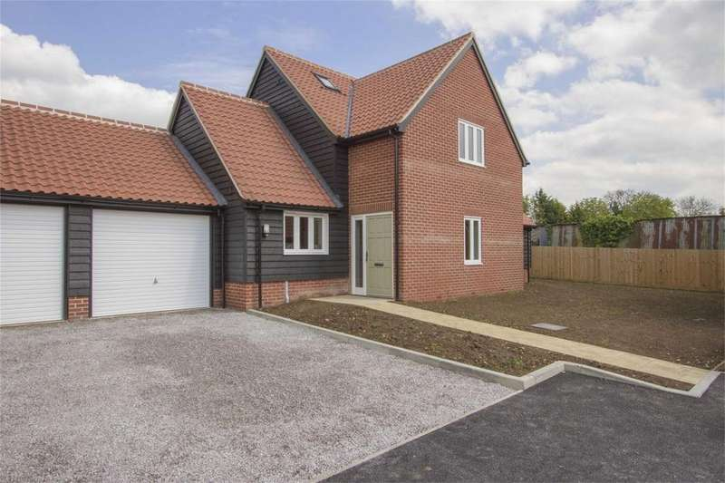 4 Bedrooms Semi Detached House for sale in School View, Caston, Norfolk