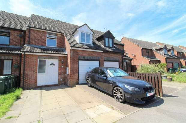 3 Bedrooms Terraced House for sale in Rose Gardens, Stanwell, Middlesex