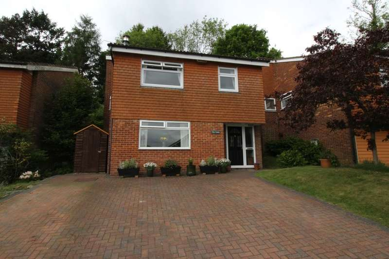 4 Bedrooms Detached House for sale in The Fields Rochester Way, Crowborough, TN6