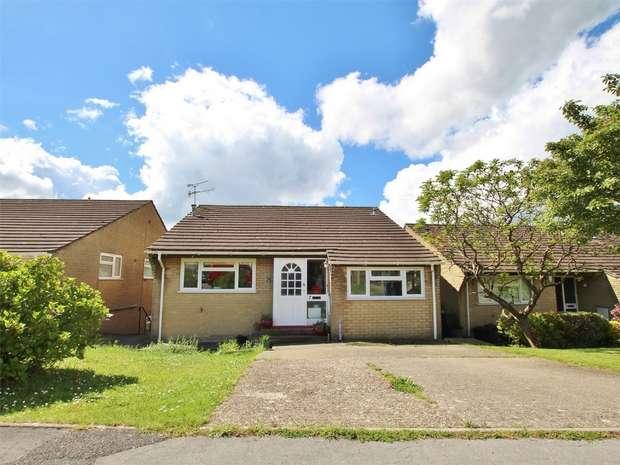 5 Bedrooms Detached House for sale in Laurel Close, Corfe Mullen, WIMBORNE, Dorset