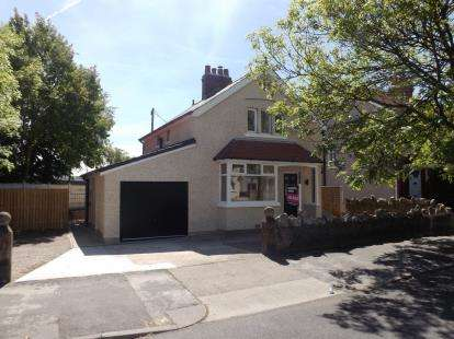 3 Bedrooms Detached House for sale in Lancaster Road, Morecambe, Lancashire, United Kingdom, LA4
