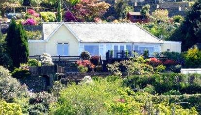 4 Bedrooms Bungalow for sale in Stryd Fawr, Harlech, Gwynedd, LL46