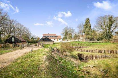 4 Bedrooms Equestrian Facility Character Property for sale in Broome, Bungay, Norfolk