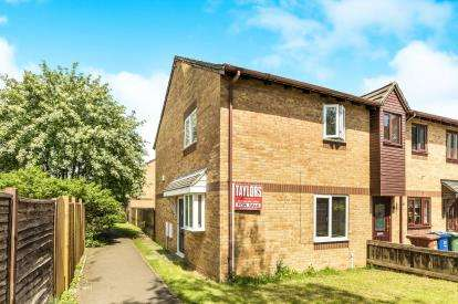 3 Bedrooms Semi Detached House for sale in Hawthorn Walk, Bicester, Oxfordshire, Oxon