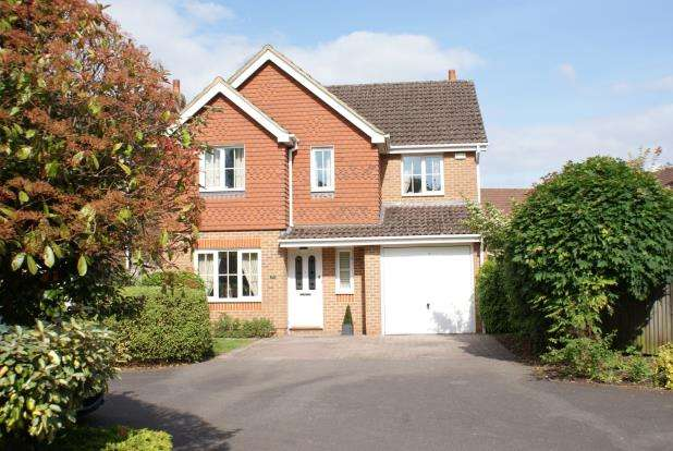 4 Bedrooms Detached House for sale in Ripley, Woking, Surrey