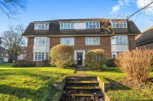 2 Bedrooms Flat for sale in Wolsey Court, London Road, Bromley, .