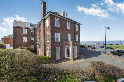 2 Bedrooms Parking Garage / Parking for sale in Royal Crescent, Whitby, North Yorkshire