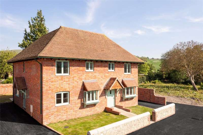 2 Bedrooms Semi Detached House for sale in Church Street, Amberley, Arundel, West Sussex, BN18