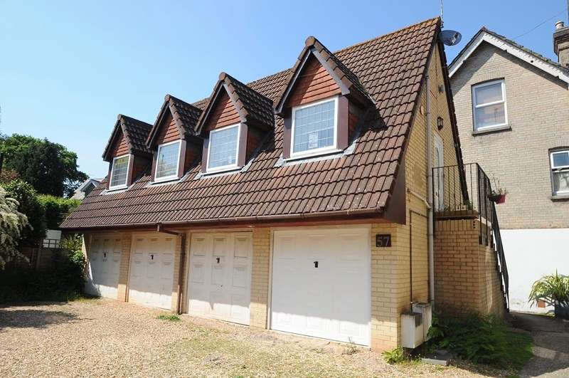 2 Bedrooms Flat for sale in Church Road, Lower Parkstone, Poole