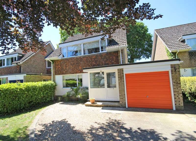 3 Bedrooms Detached House for sale in Derwent Road, New Milton