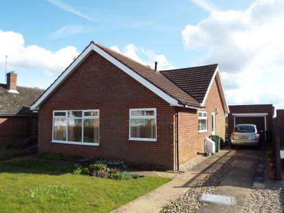 3 Bedrooms Bungalow for sale in Swaffham, Norfolk