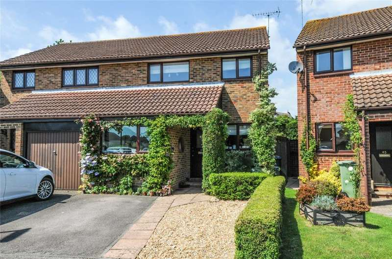 3 Bedrooms Semi Detached House for sale in Olivers Meadow, Westergate, Chichester, PO20
