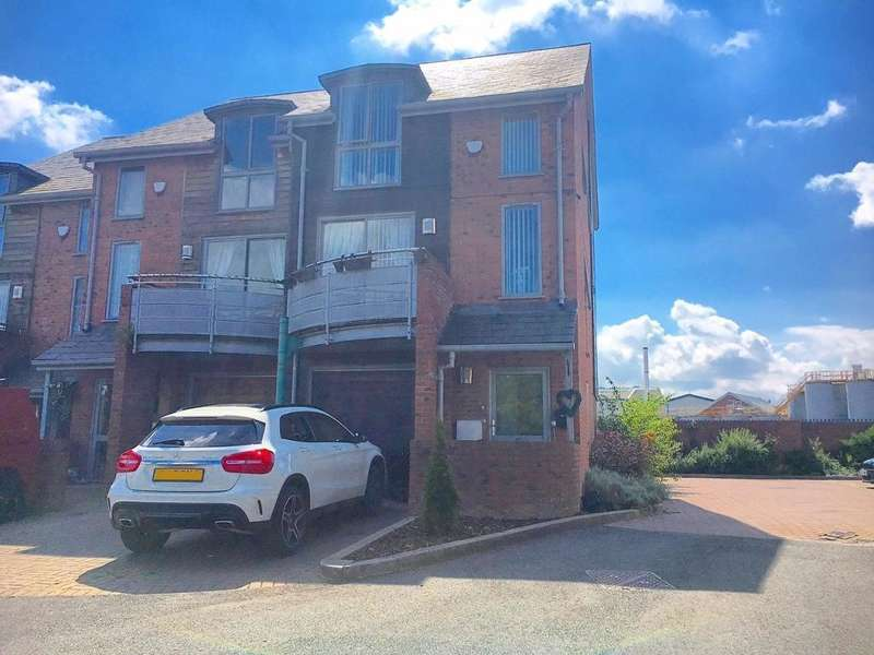 3 Bedrooms Town House for sale in CASTLE STREET, TIPTON, WEST MIDLANDS, DY4 8BF