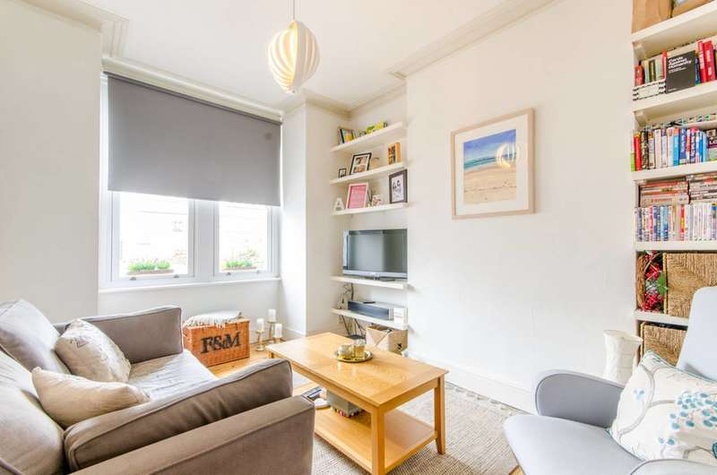 1 Bedroom Flat for sale in Gruneisen Road, Finchley Central, N3