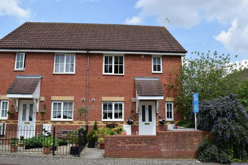 3 Bedrooms Semi Detached House for sale in Sturston Close, Thetford