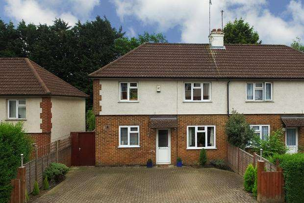 3 Bedrooms Semi Detached House for sale in Masefield Road, Harpenden, AL5