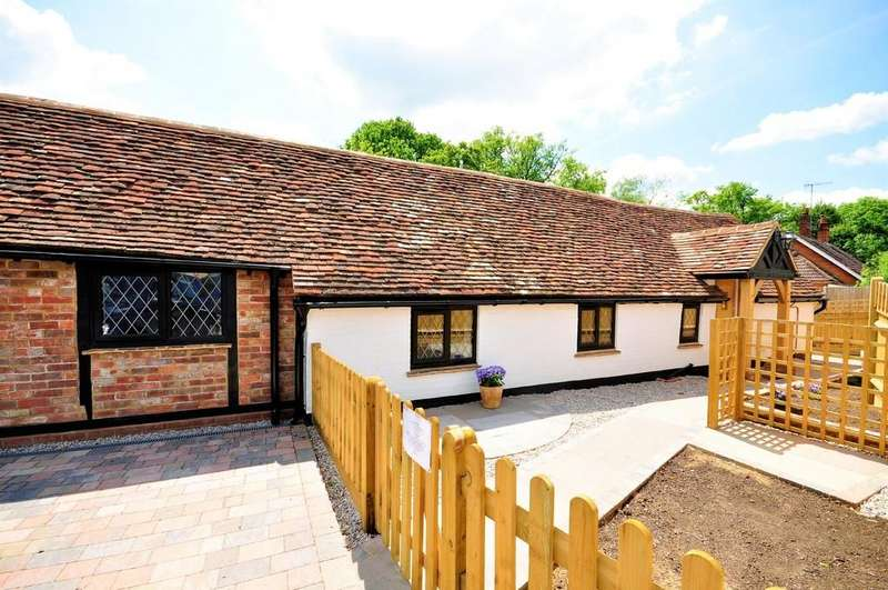 2 Bedrooms Semi Detached Bungalow for sale in Ewhurst Road, Cranleigh