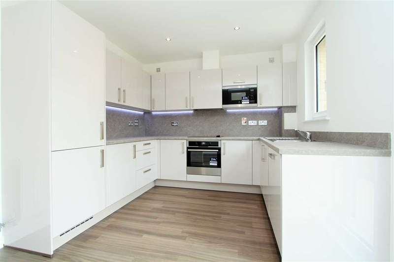 4 Bedrooms Town House for sale in Fry Lane, Edgware Green, Edgware