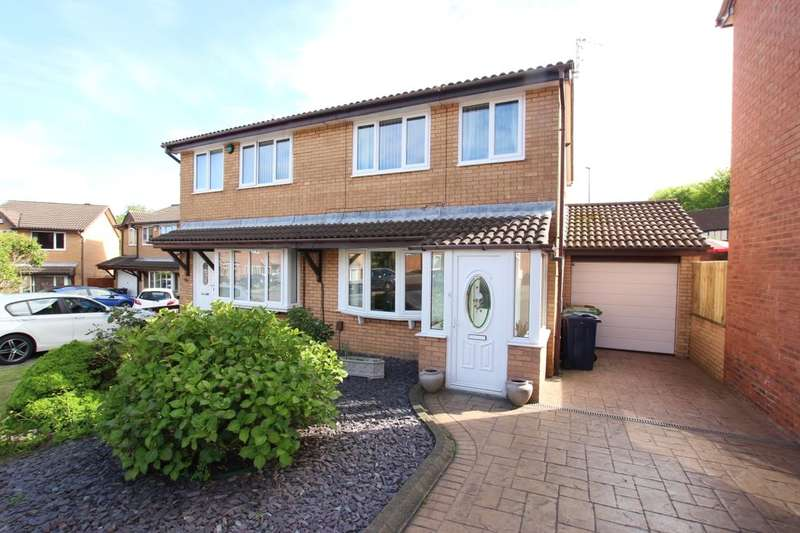 3 Bedrooms Semi Detached House for sale in Holwick Close, Washington, NE38