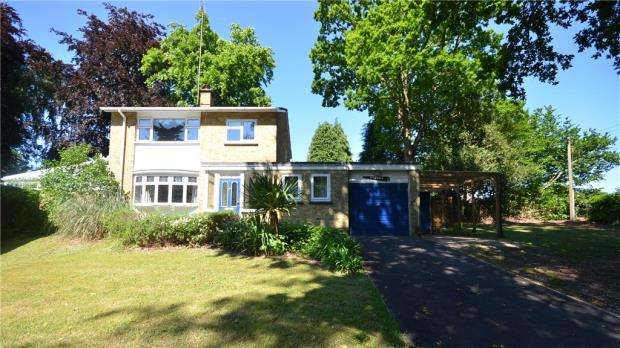 4 Bedrooms Detached House for sale in Hawley Green, Hawley, Camberley