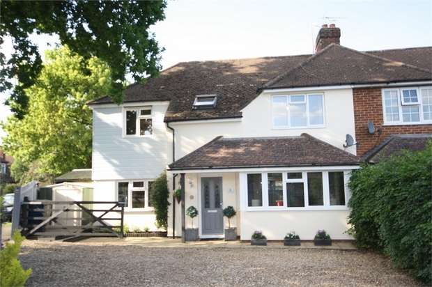 3 Bedrooms Semi Detached House for sale in South Avenue, Farnham, Surrey